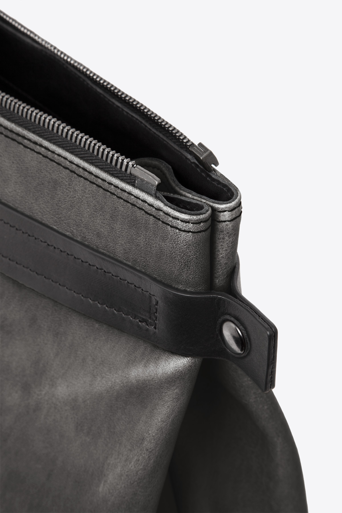 dclr007s-tote-a2-shadowgray-detail
