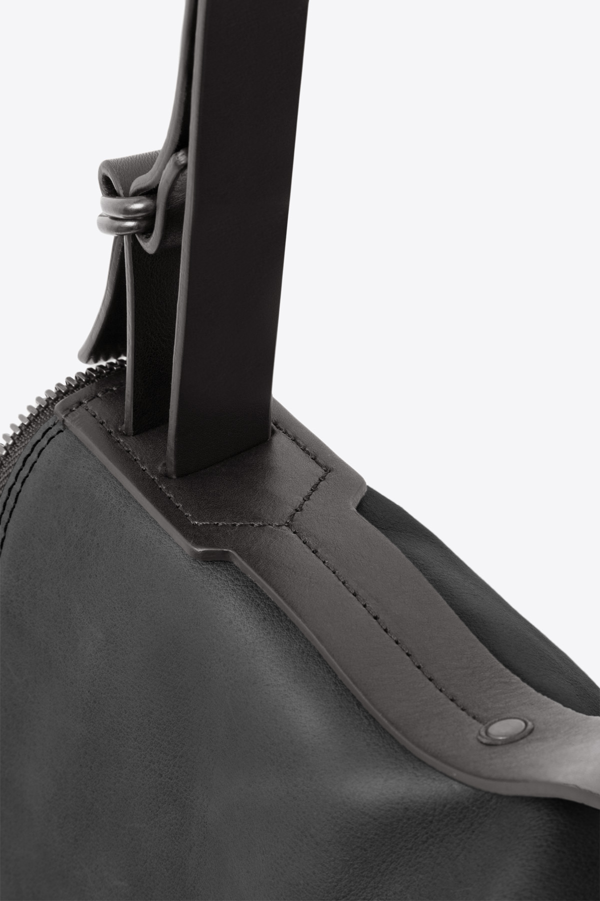dclr008l-messenger-a1-black-detail