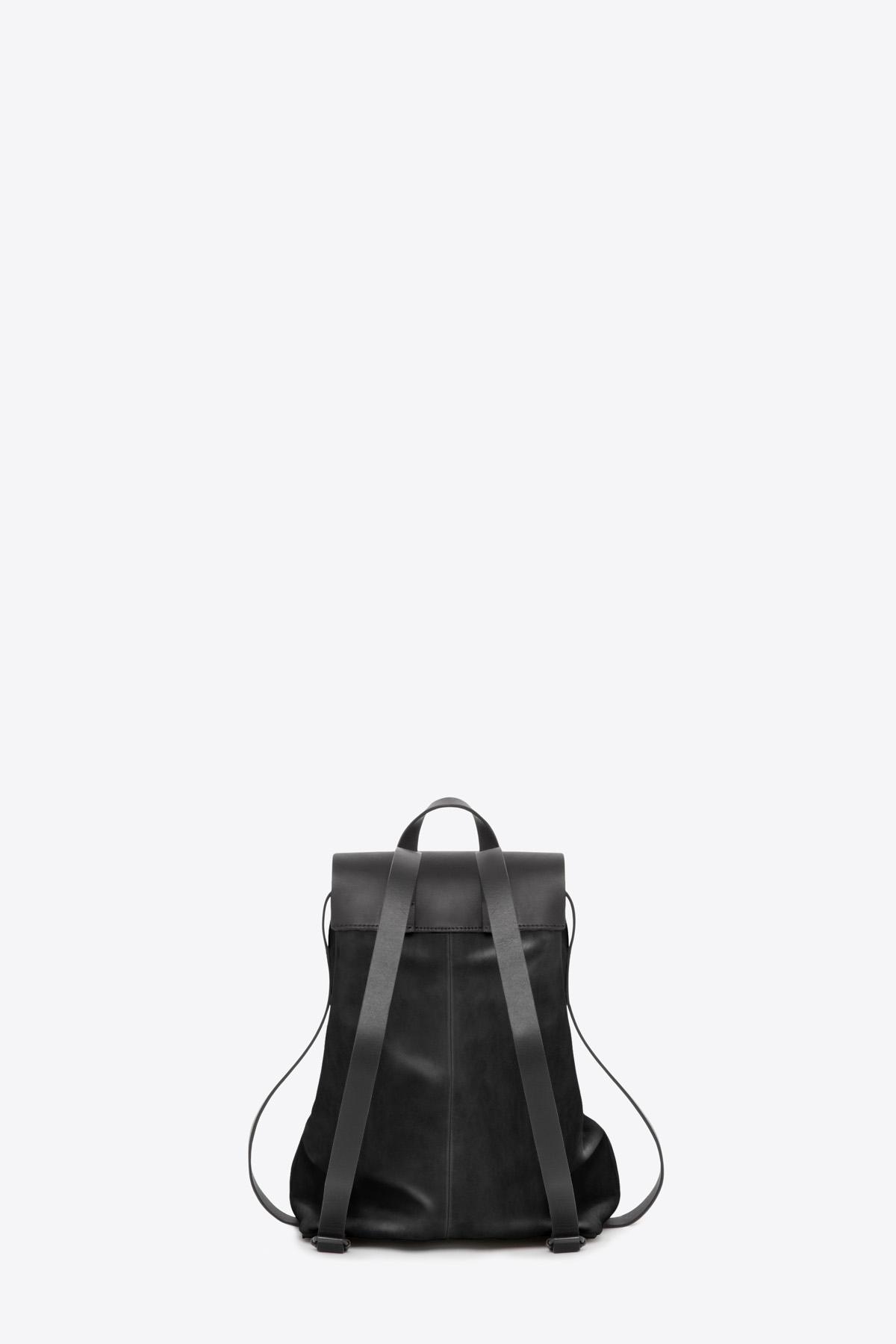 dclr009-b-backpack-a1-black-back