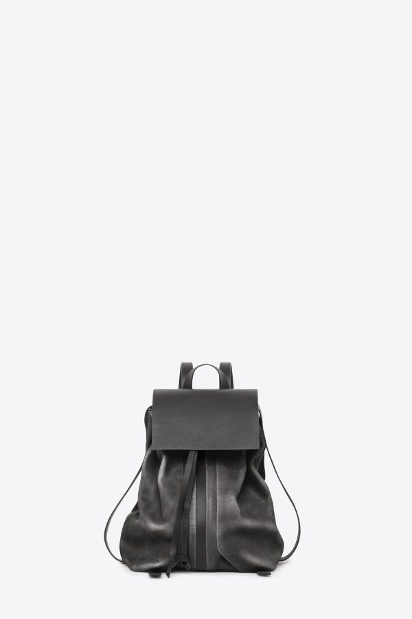dclr009-b-backpack-a2-shadowgray-front