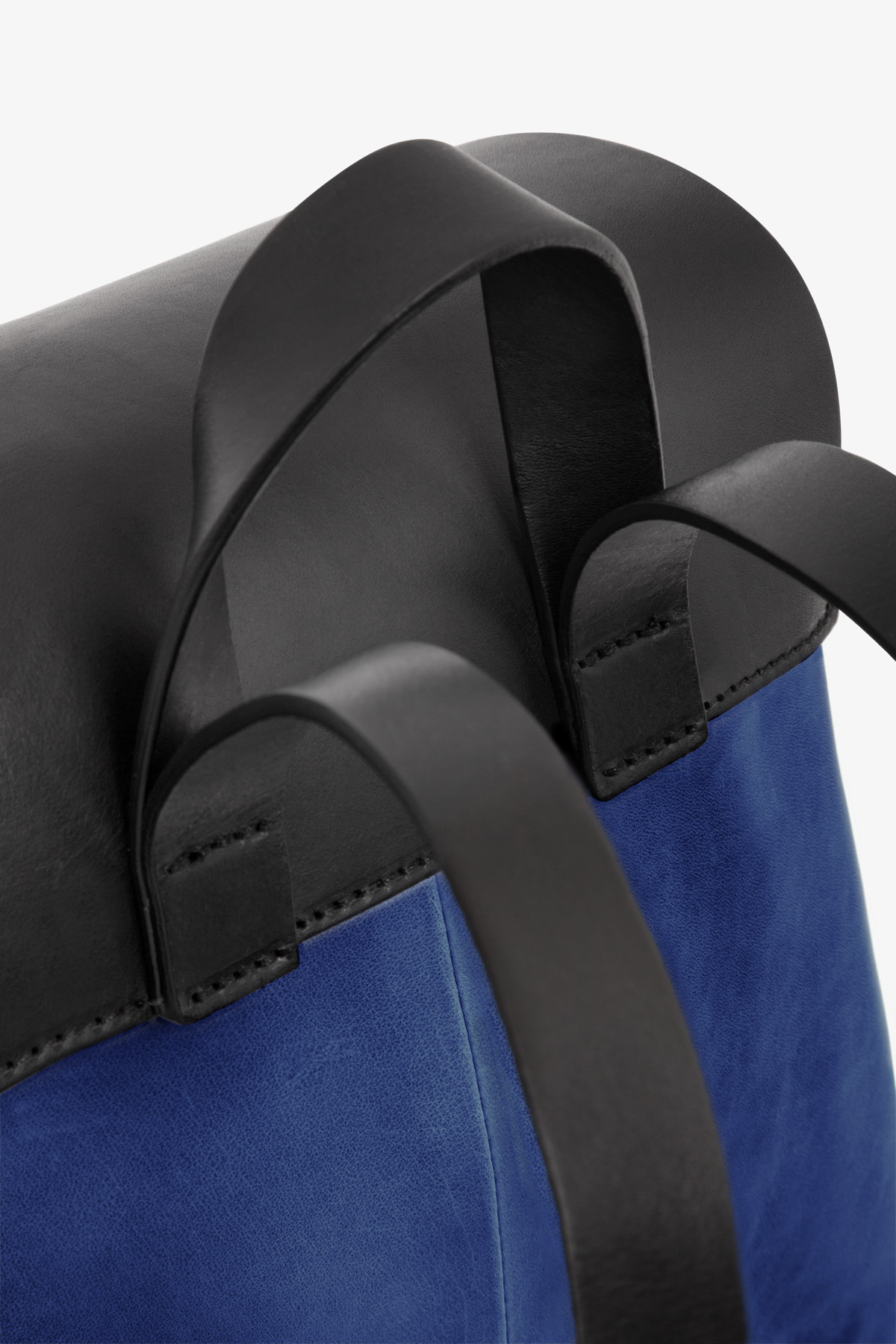 dclr009-b-backpack-a20-royalblue-detail
