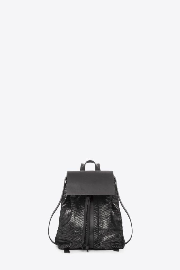 dclr009-b-backpack-a23-backsnakeblack-front