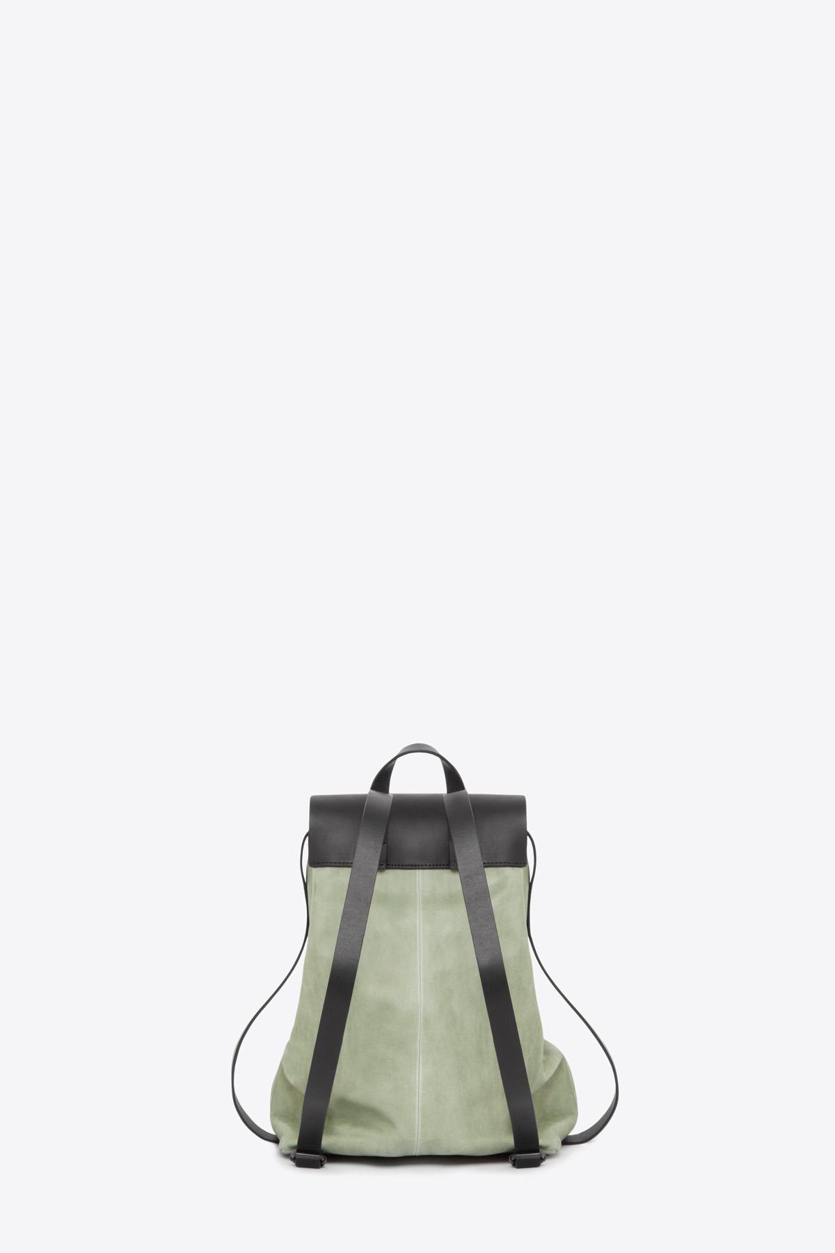 dclr009-b-backpack-a9-jadegreen-back