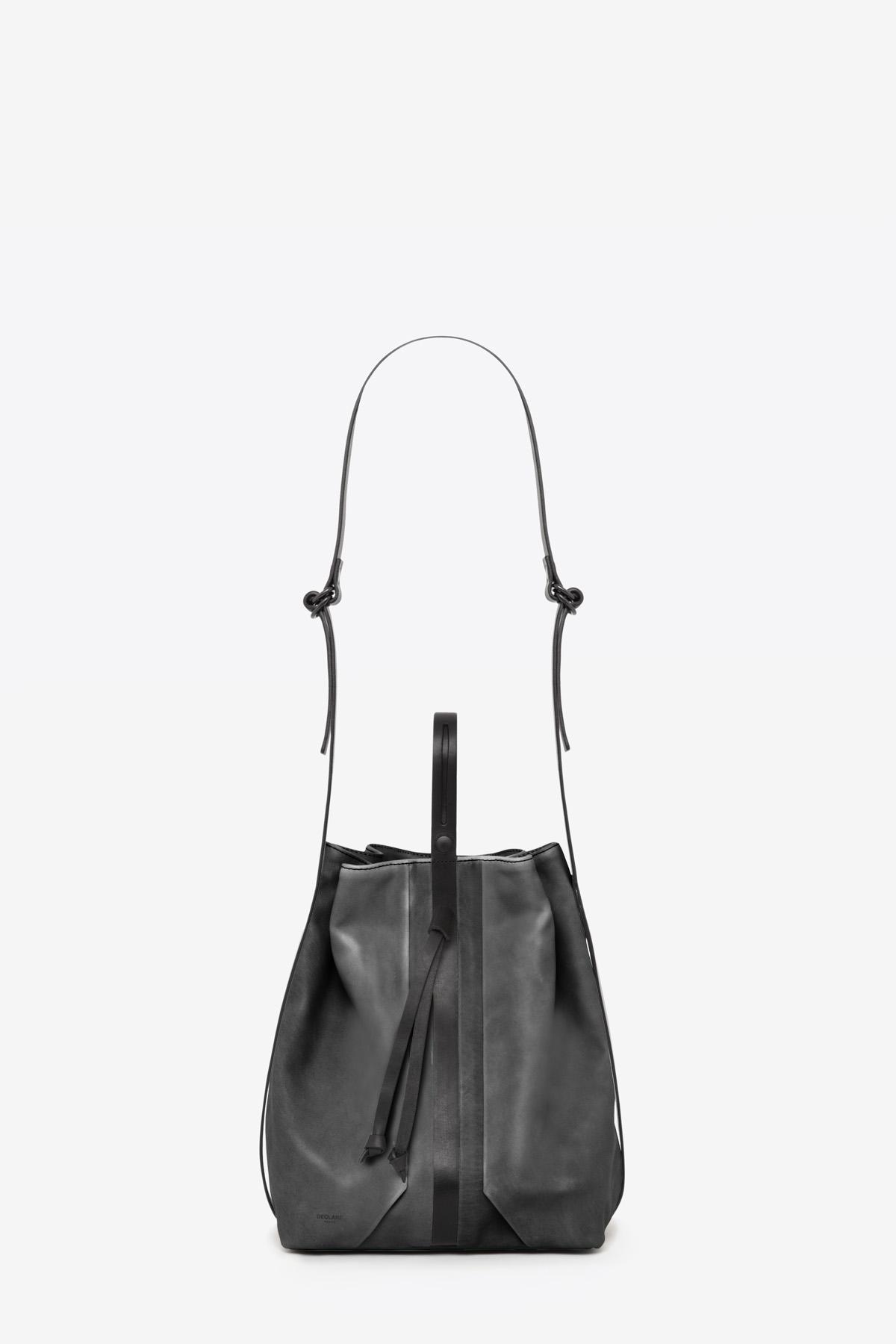 dclr010-bucketbag-a2-shadowgray-front