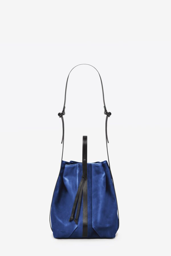 dclr010-bucketbag-a20-royalblue-front
