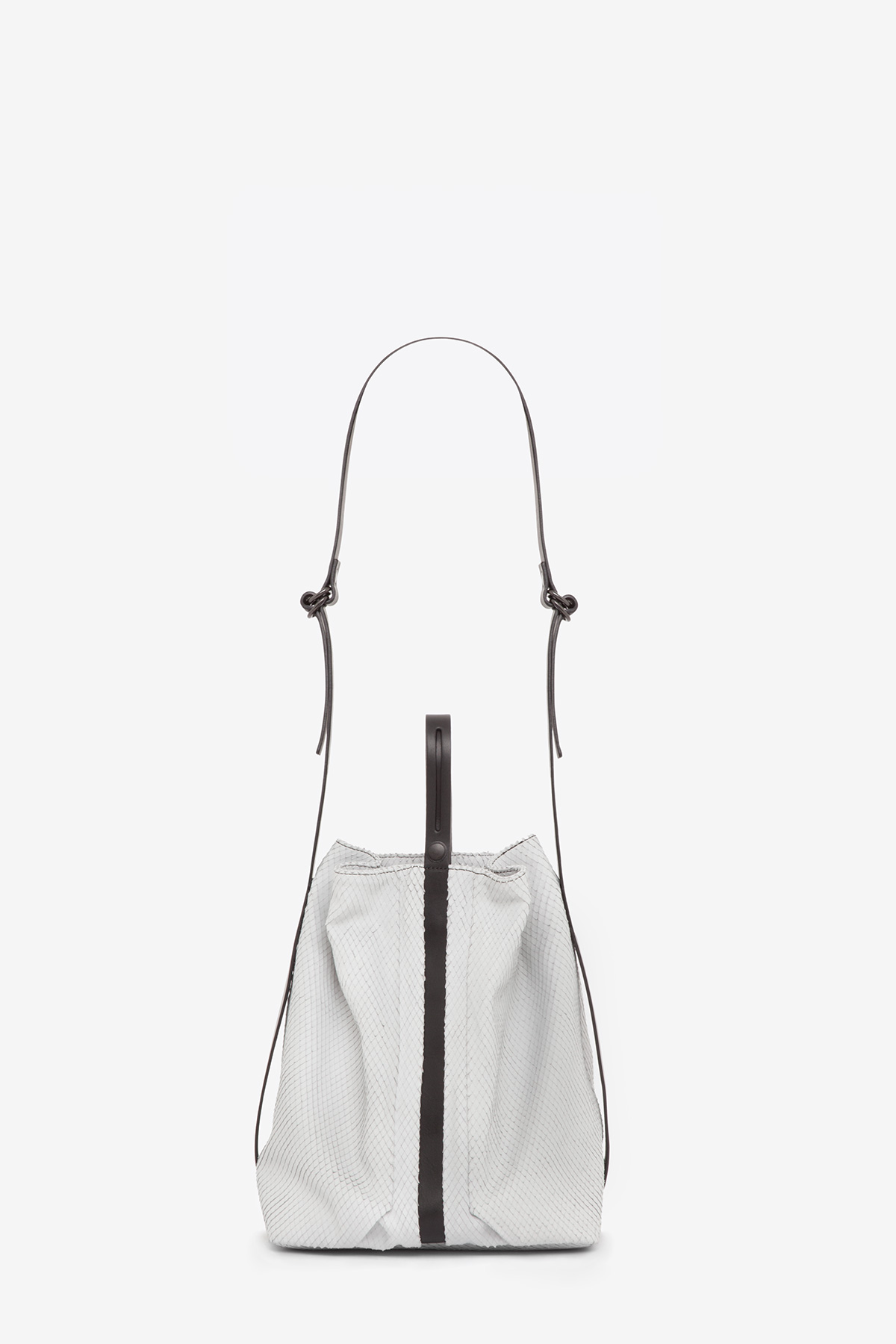 dclr010-bucketbag-a22-backsnakefoggrey-back