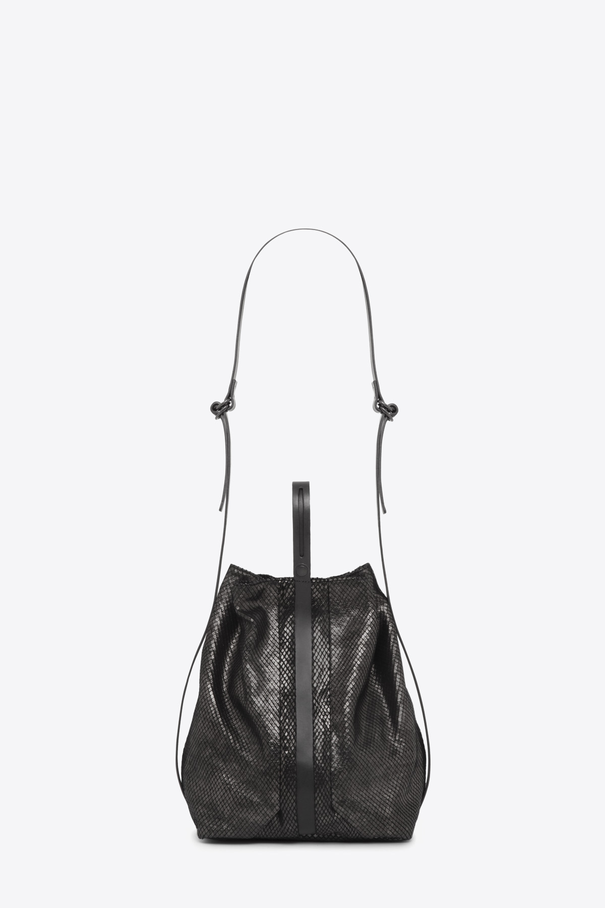 dclr010-bucketbag-a23-backsnakeblack-back