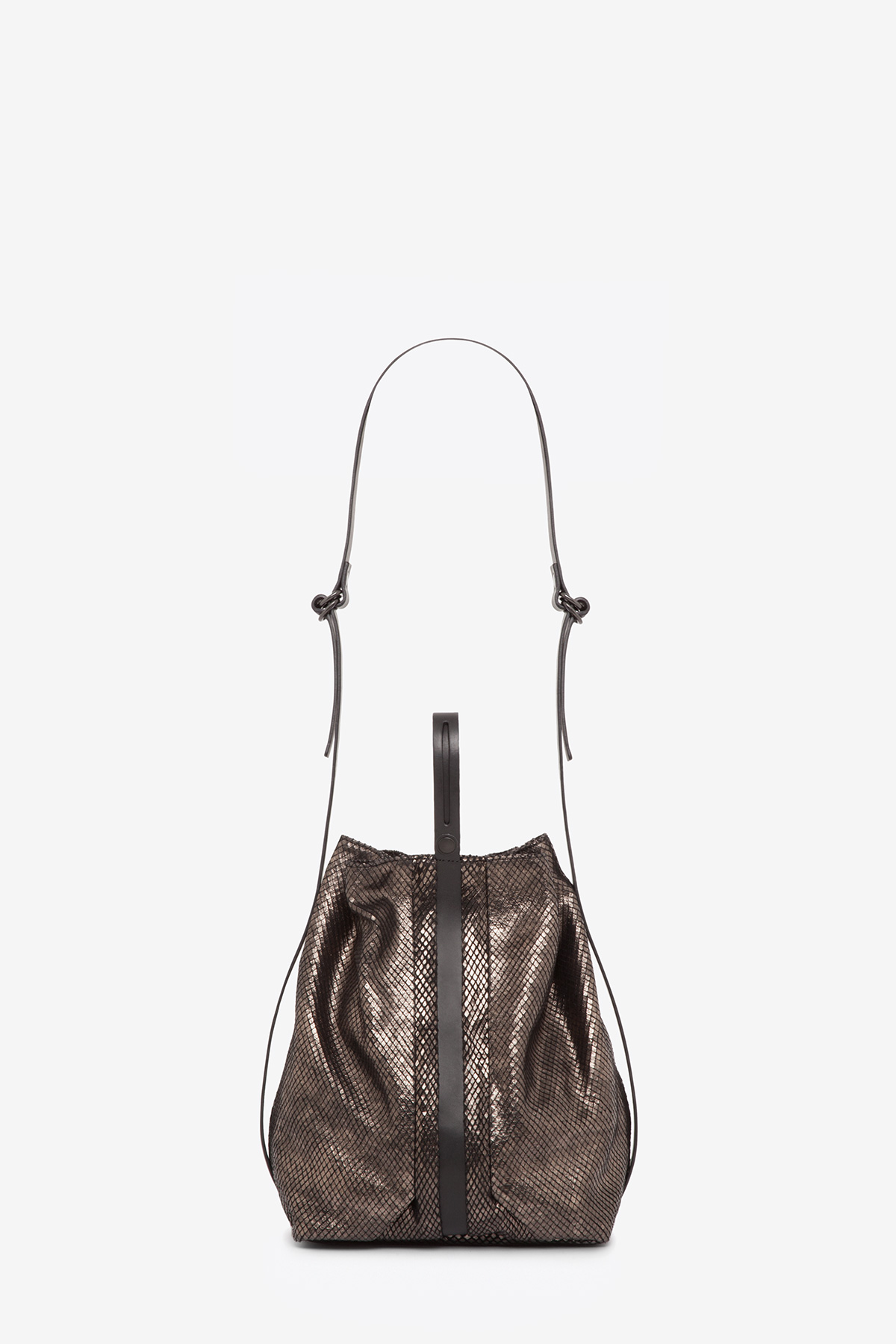 dclr010-bucketbag-a24-backsnakebronze-back