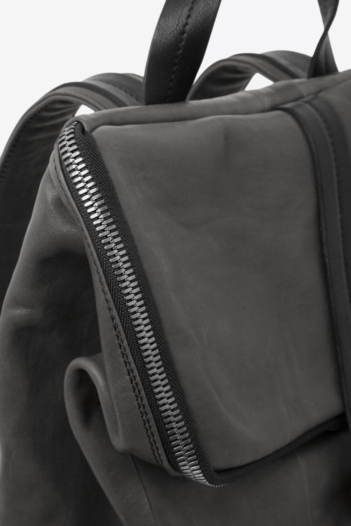 dclr011-backpack-a2-shadowgreen-detail