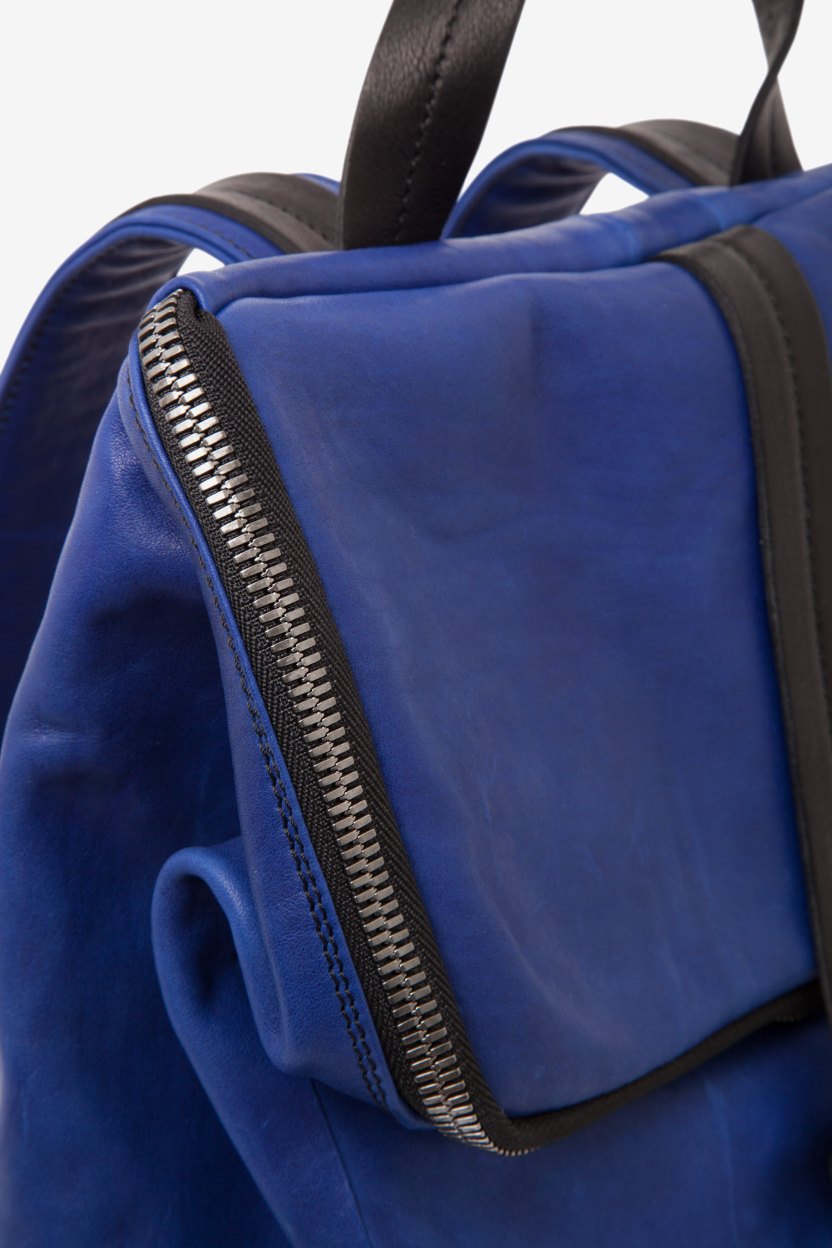 dclr011-backpack-a20-royalblue-detail