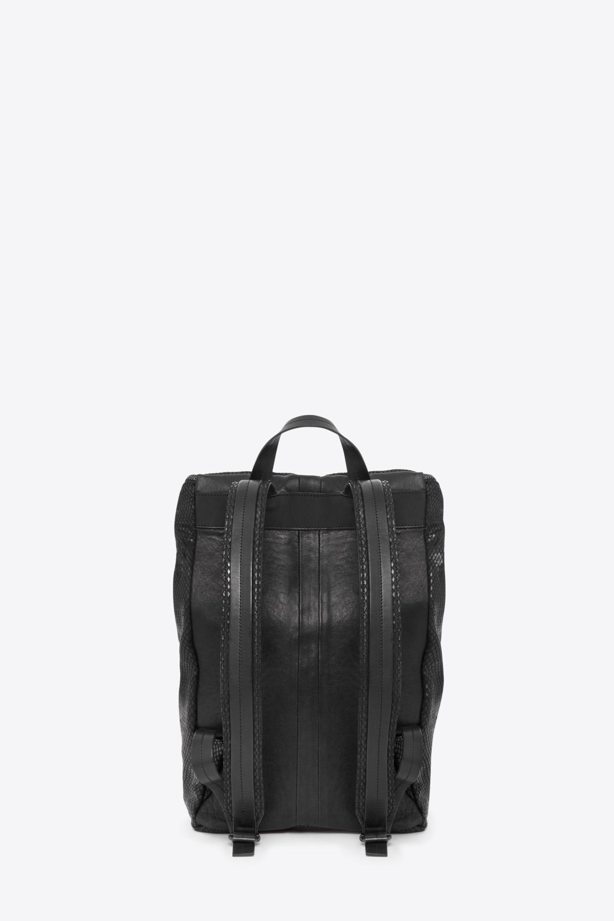 dclr011-backpack-a23-backsnakeblack-back