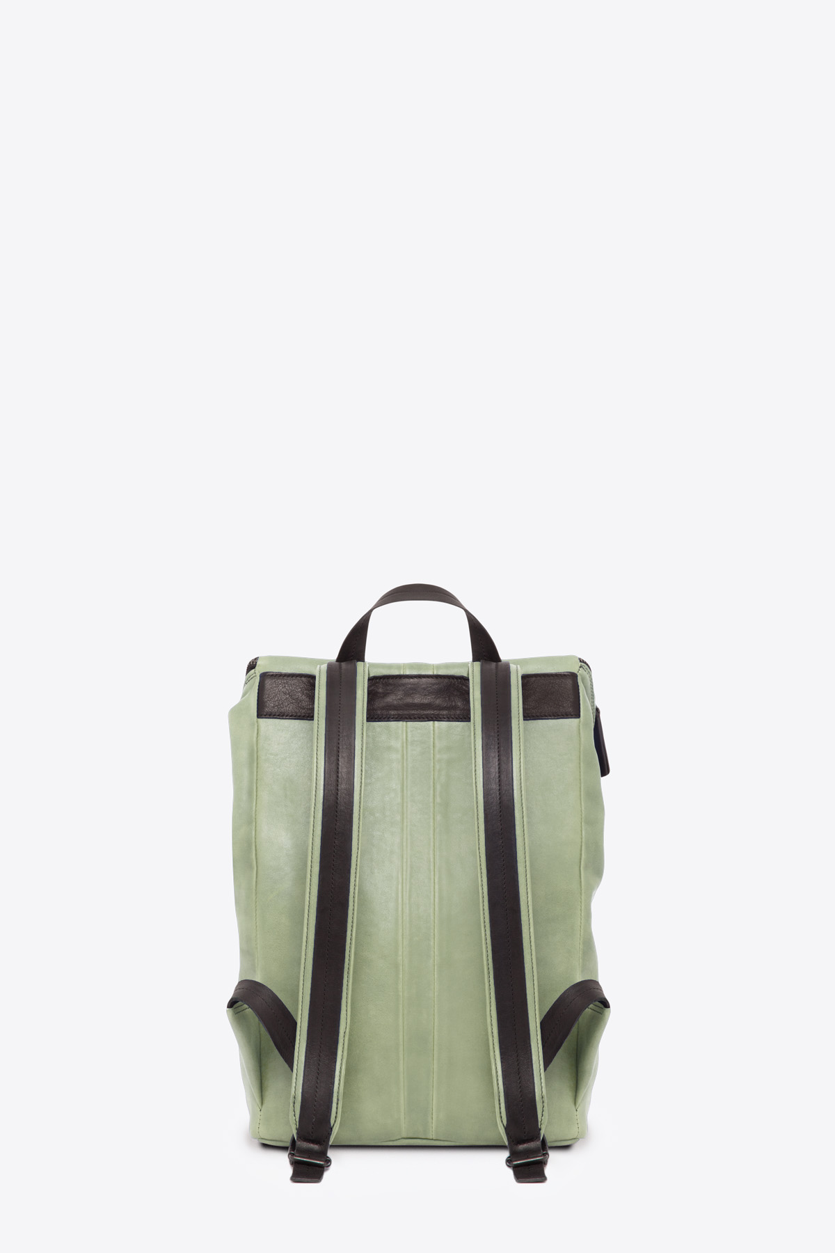 dclr011-backpack-a9-jadegreen-back