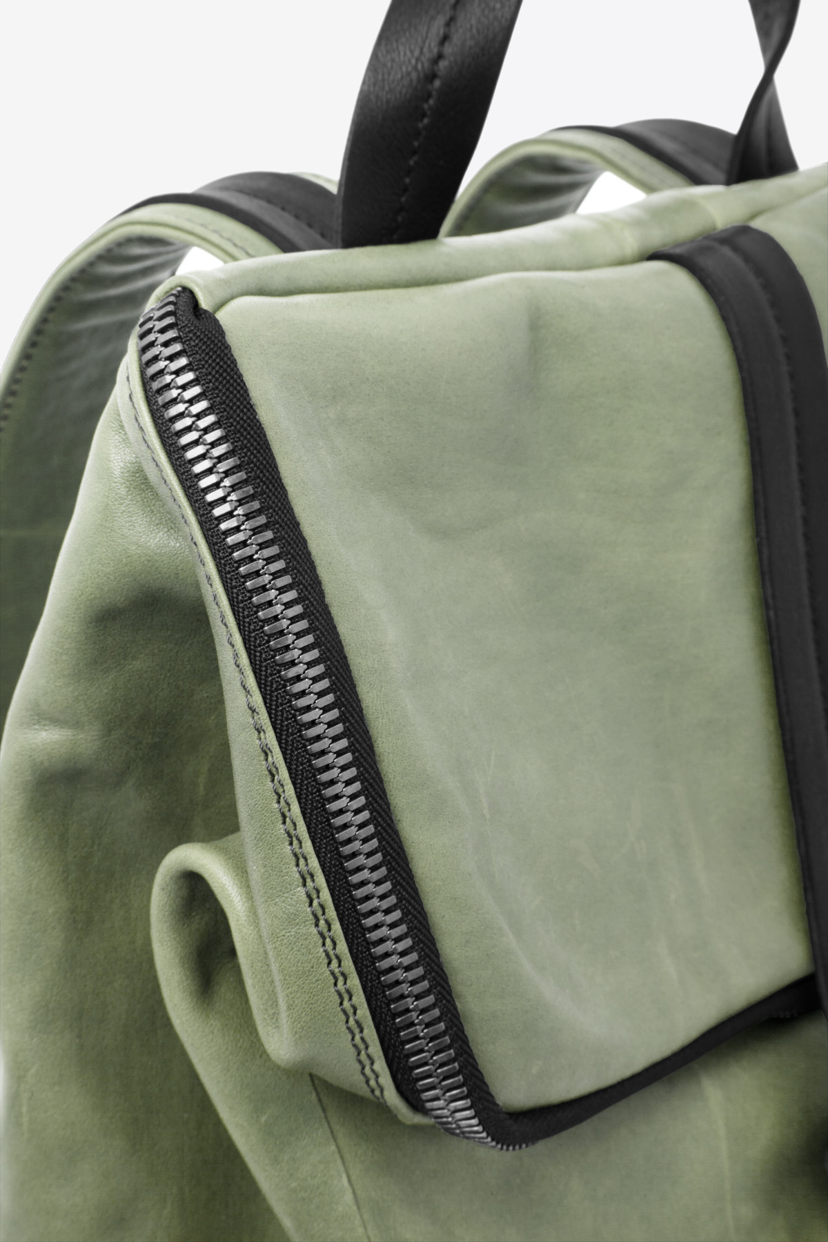 dclr011-backpack-a9-jadegreen-detail