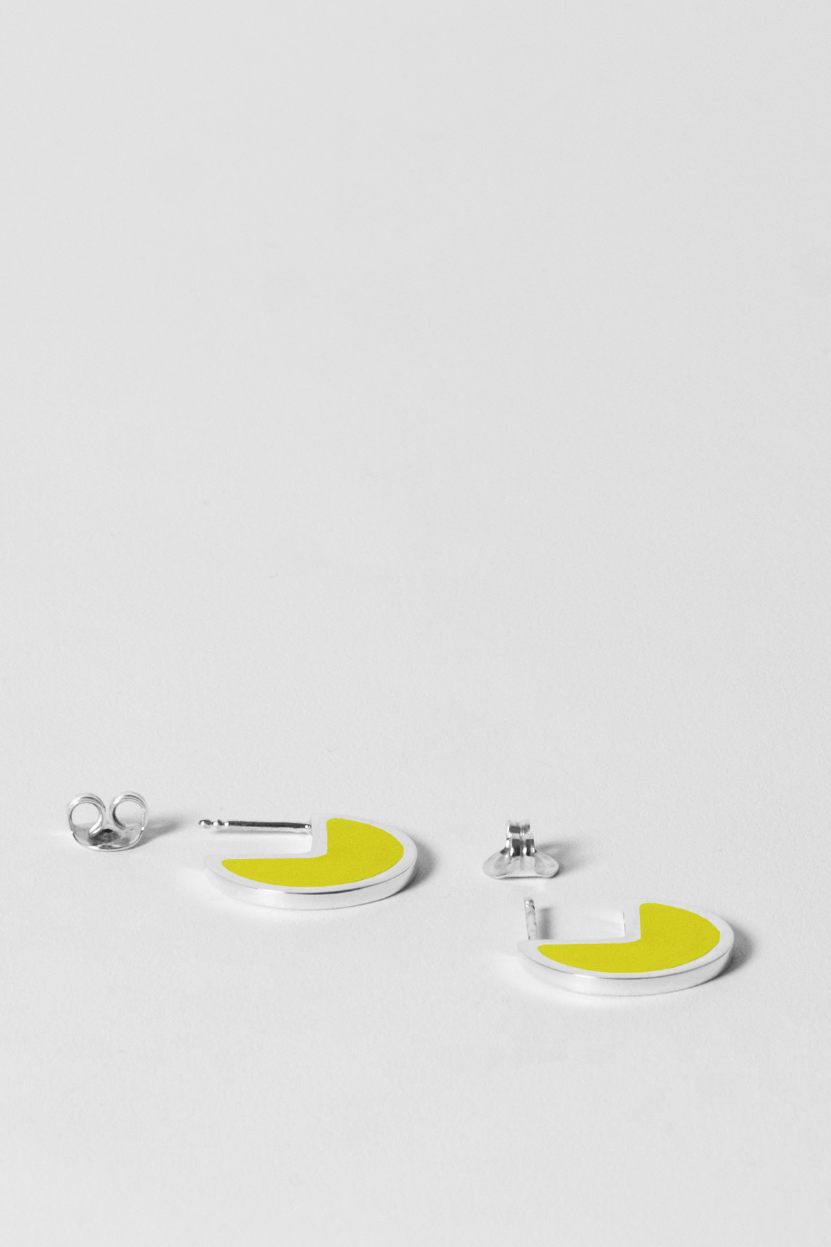 ALMOST ONE – EARRINGS – TECHNO YELLOW 2