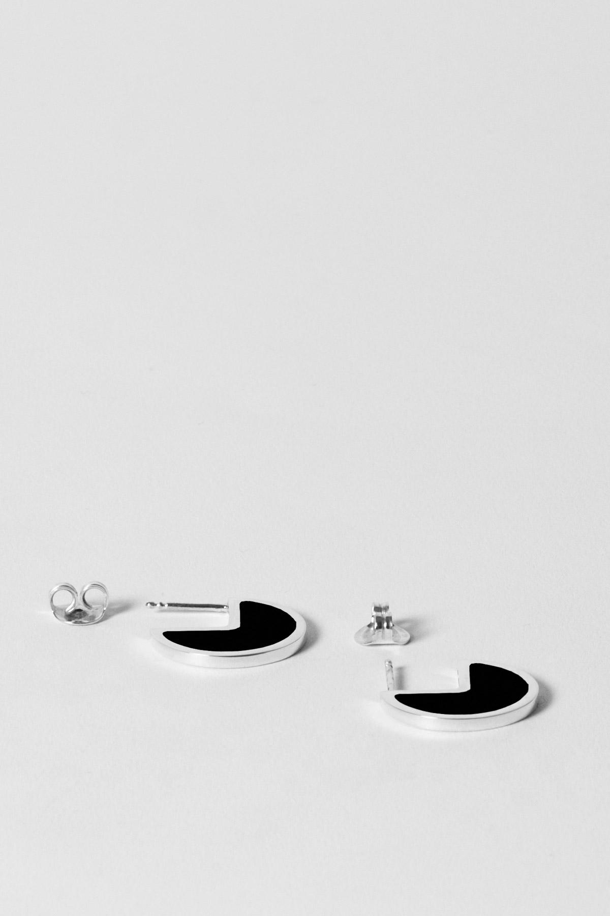 ALMOST ONE – EARRINGS – TOTAL BLACK 2
