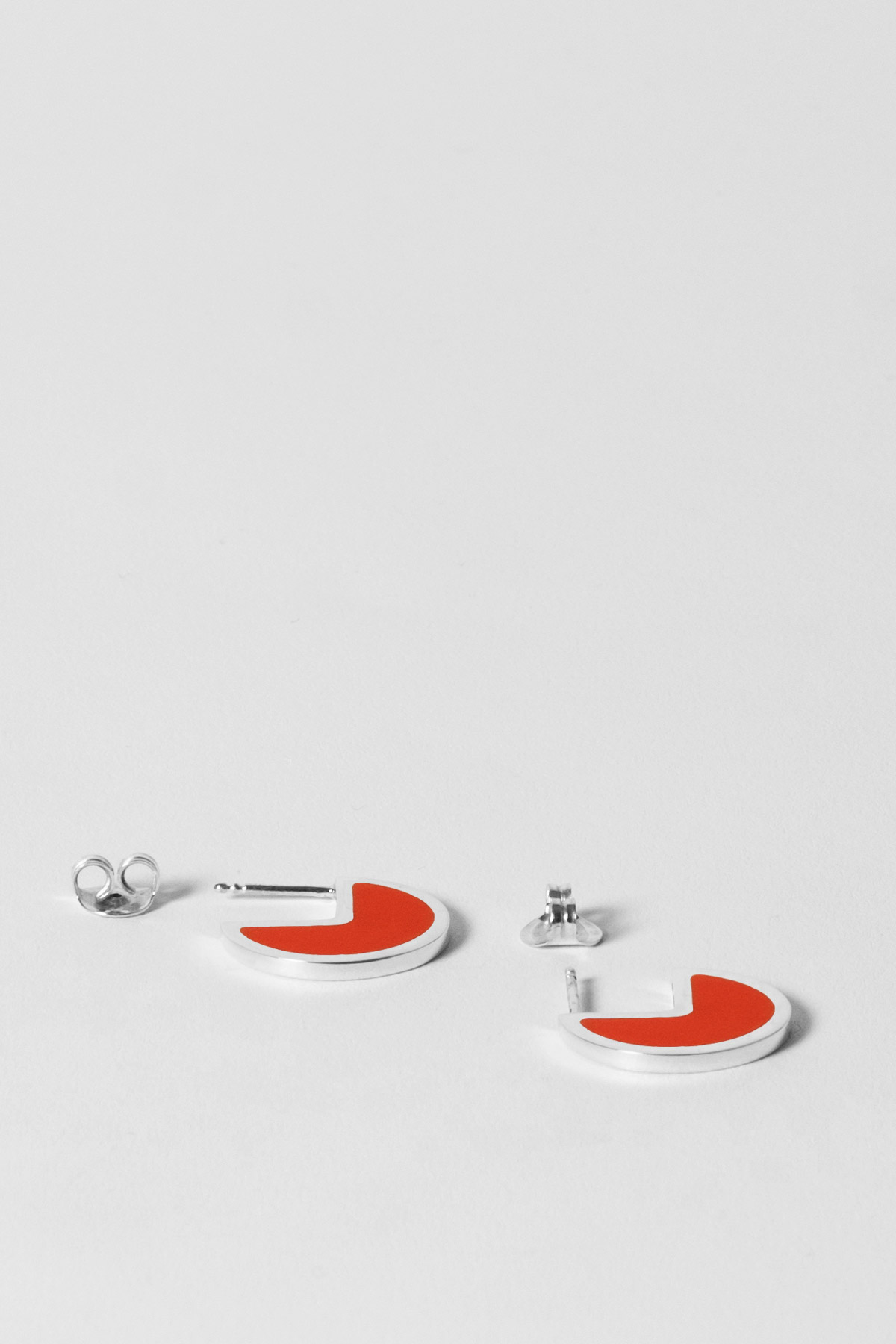 ALMOST ONE – EARRINGS – ULTRA ORANGE 2