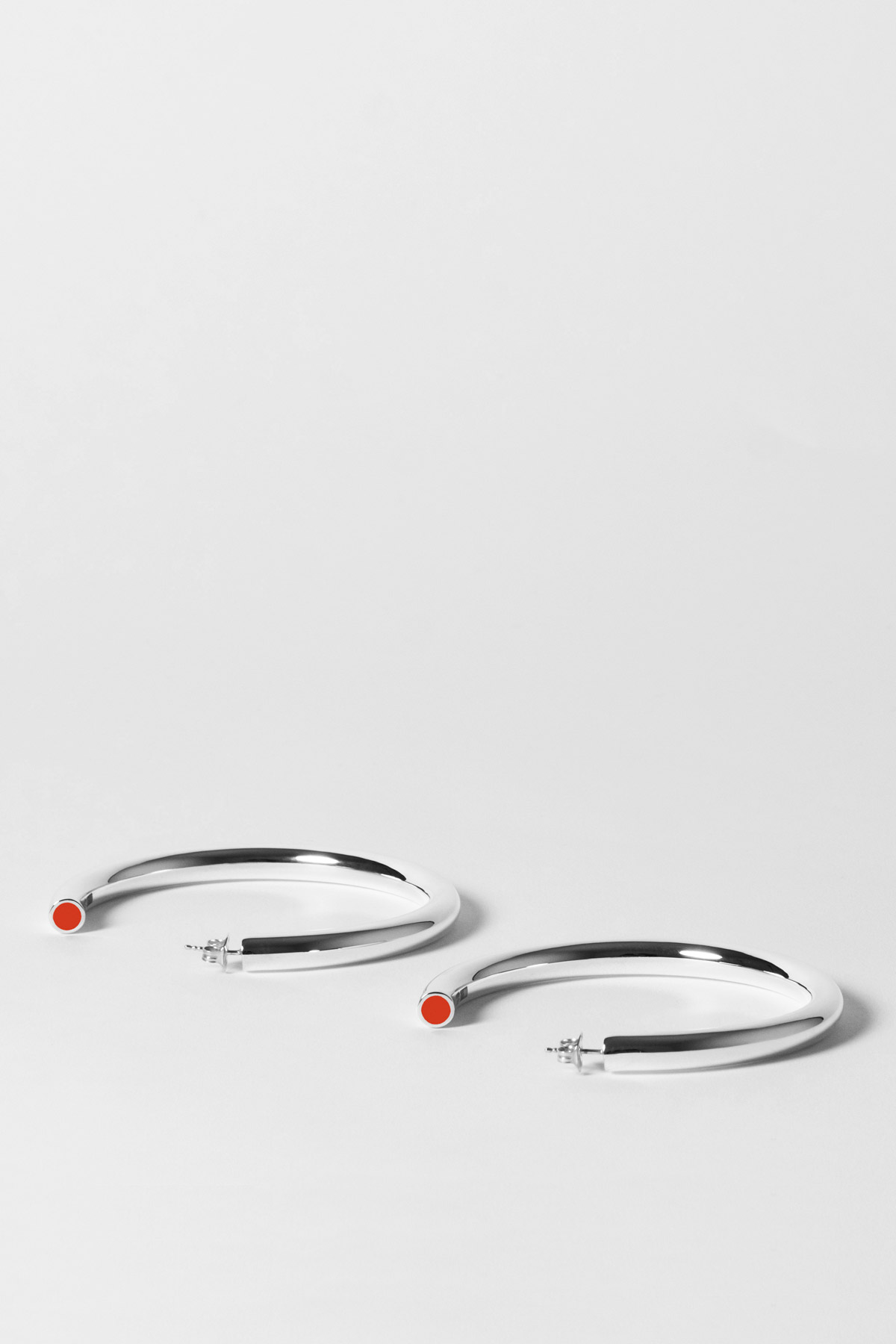 THE TUBULAR – MEGA EARRINGS – ULTRA ORANGE 1